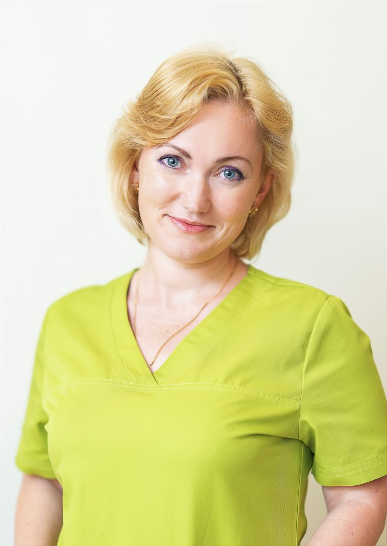Стоматолог-терапевт – Алахвердиева Наталья Ярославовна